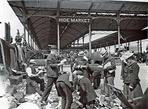 A photo of a book sale at the Caledonian Market (the location of the Great War Fair) in 1910