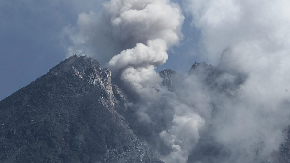 Scientists discover how volcanoes release trapped crustal CO2 to the atmosphere